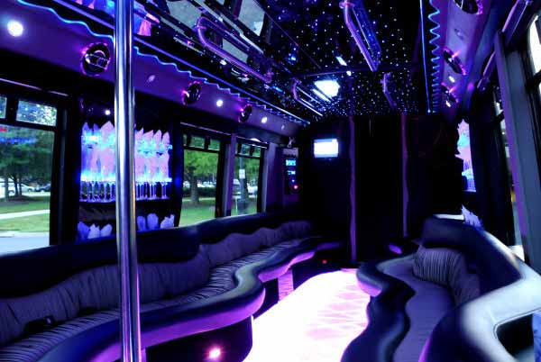 22 people party bus Goshen